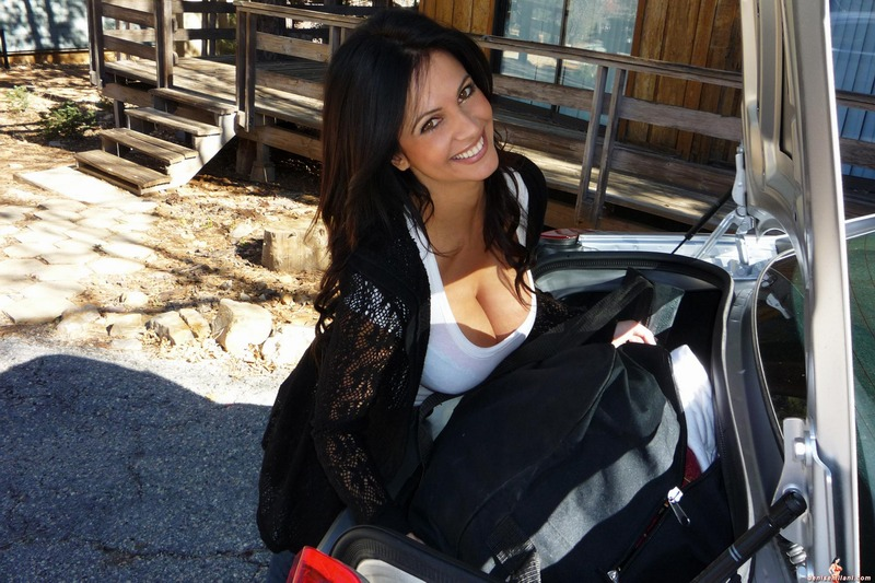 Free hot young milf galleries