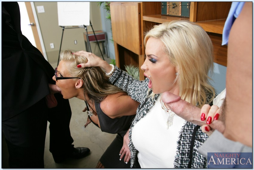Naughty Office Diamond Foxxx And Phoenix Marie Foursome